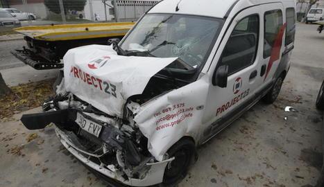 Un dels vehicles accidentats a Vallfogona de Balaguer.