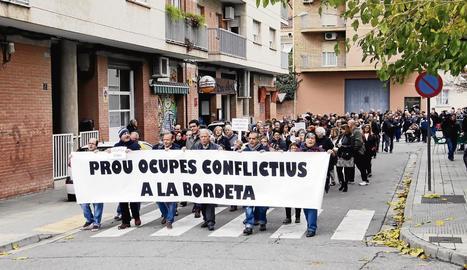 Els veïns es van manifestar el 27 de novembre contra els okupes.