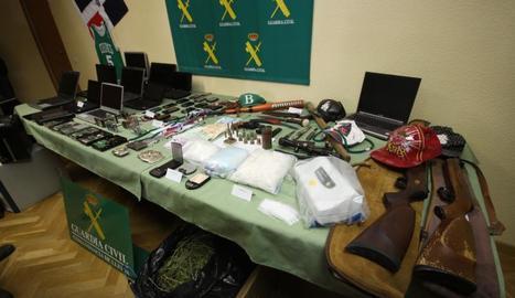 Imatge del material confiscat a la banda el novembre del 2011.