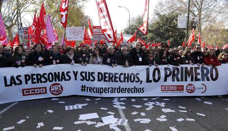 Imatge de la capçalera de la manifestació ahir a Madrid.
