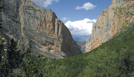 Acord per regular l'accés a Mont-rebei a través de reserves 'online' a partir del març