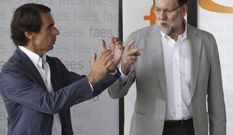 Imatge d'arxiu d'Aznar i Rajoy de l'any passat, quan mantenien una relació menys tensa.