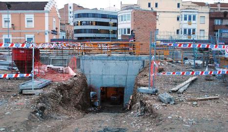 Les obres de construcció del nou pas soterrat.