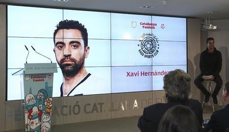 Una gran imatge de Xavi ahir durant l'acte en el qual es va donar la llista de convocats.