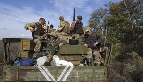 Soldats governamentals ucraïnesos a la localitat de Popasnaia.