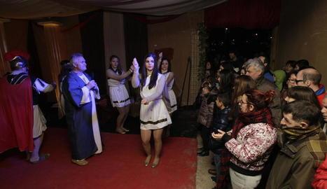 El Pessebre Vivent del barri dels Magraners, a Lleida, va tancar ahir l'edició d'enguany amb 3.000 visitants, i Linyola va estrenar la temporada de representacions.