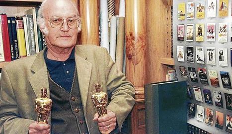 Gil Parrondo amb els dos Oscars.