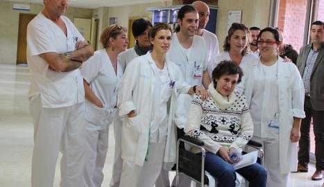 L'auxiliar d'infermeria Teresa Romero, a la cadira, el primer cas d'Ebola infectat fora de l'Àfrica.