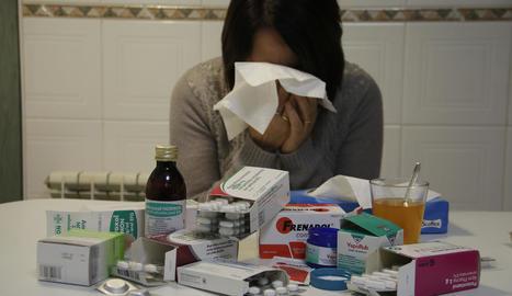 La grip va entrar en fase epidèmica fa una setmana, cosa que també propicia el consum de fàrmacs.