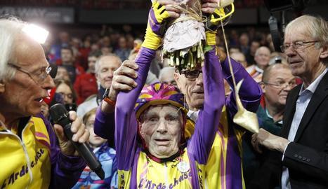 El 'centenari' Robert Marchand, ahir després de culminar la seua proesa.