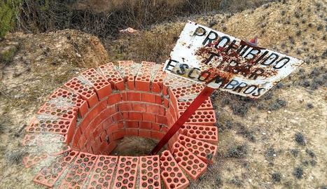 La imatge del pou