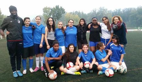 Integrants de l'equip femení de futbol 7 que impulsa la Paeria de Lleida.