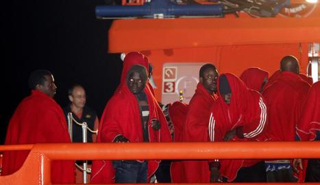 Imatge del rescat d'immigrants a prop del cap de Gata.