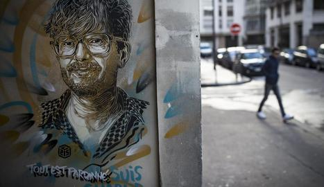 Pintada d'un dels dibuixants de 'Charlie Hebdo' assassinat.