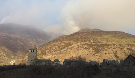 L'incendi de Garòs ha cremat unes 200 hectàrees de pastures de muntanya
