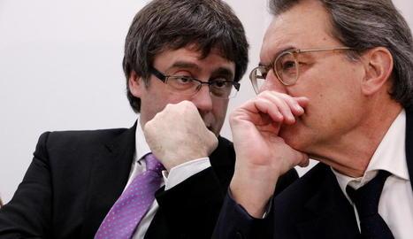 Puigdemont i Mas, en una reunió d'ahir del PDeCAT.