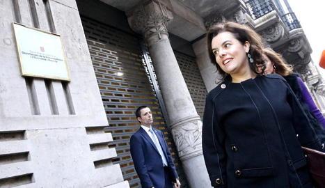 Sáenz de Santamaría, a l'arribar ahir a la conselleria d'Economia per a la reunió amb Junqueras.