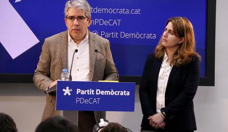 Francesc Homs ahir en roda de premsa amb Marta Pascal després de conèixer-se la petició de la Fiscalia.