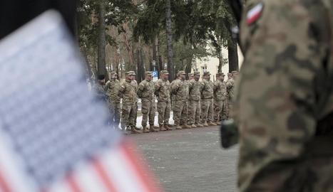 Tropes nord-americanes ahir a l'arribar a Zagan, a l'oest de Polònia.