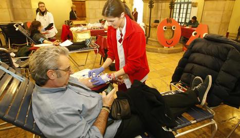 La marató de donacions de sang aquest divendres al pati del Palau de la Paeria.