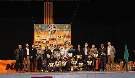A la imatge, els pilots que han aconseguit pujar al podi en alguna disciplina del Campionat d'Espanya del 2016.