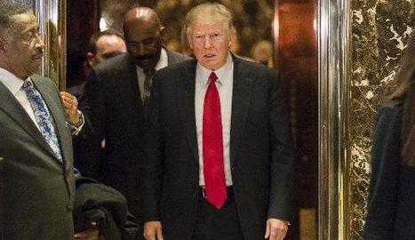 El president electe, Donald Trump, ahir a l'edifici que porta el seu nom a Nova York.