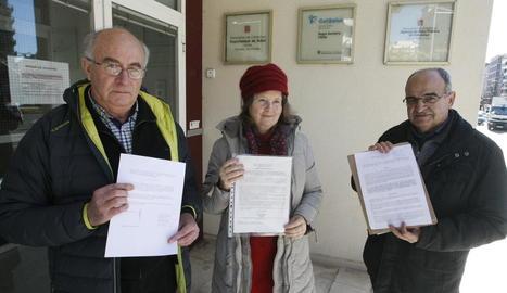 Josep Pàmies, Lola Roma i Miquel Pàmies, ahir a Salut.