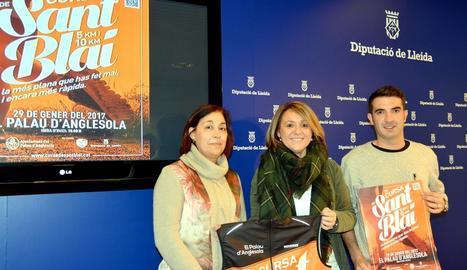 Montserrat Meseguer, Rosa Pujol i Baptista Pou, ahir durant la presentació de la prova.