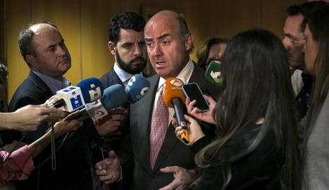 De Guindos va atendre ahir els mitjans al ministeri d'Economia.
