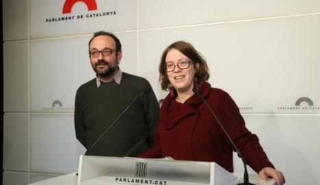 Els diputats de la CUP Benet Salellas i Eulàlia Reguant.