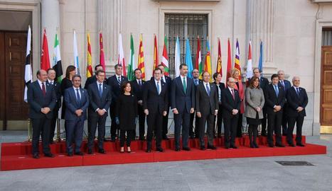 Foto de família dels participants a la Conferència de Presidents celebrada ahir al Senat.