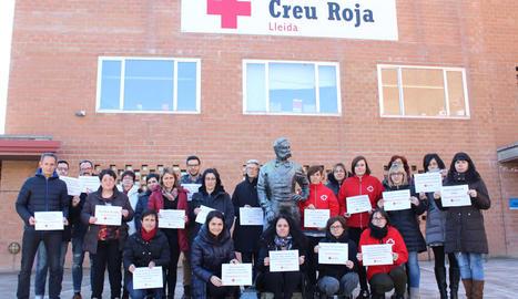 Personal de Creu Roja Lleida va recordar ahir les víctimes en un camp de refugiats a Nigèria.