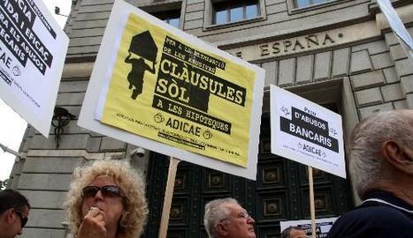 Una protesta per les clàusules terra davant del Banc d'Espanya.