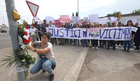 Una manifestació per demanar justícia per l'atropellament de les dos dones.
