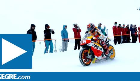 Marc Màrquez, en moto per una pista d'esquí