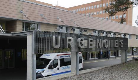 Imagen de archivo del exterior de la unidad de Urgencias del Arnau.