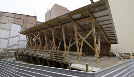 L'edifici de fusta, un espai per a professionals creatius.