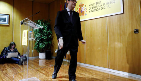 El ministre d'Energia, Álvaro Nadal, en la roda de premsa oferta ahir a la seu del ministeri.