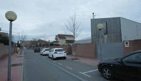 Vista de la façana de l'habitatge afectat, situat a la urbanització Vila Montcada.