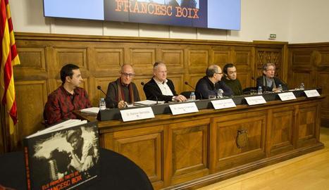 Debat ahir a l'IEI després de la projecció del documental.