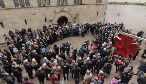 Minut  de silenci a la plaça Paeria de Lleida pels dos agents rurals assassinats a Aspa.