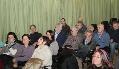 Un moment de l'assemblea celebrada ahir a l'Ateneu.