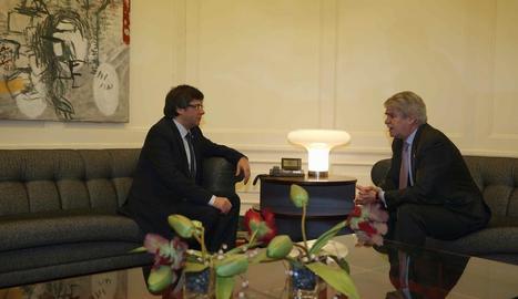 Puigdemont i Dastis, reunits ahir abans del començament del fòrum euromediterrani de Barcelona.