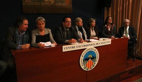 El comitè del Pacte pel Referèndum, amb el lleidatà Francesc Pané, a la dreta, ahir a Barcelona.