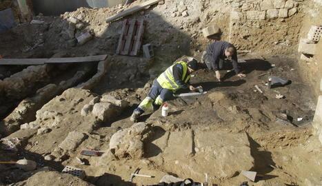 Segueixen les excavacions arqueològiques a l'antic barri jueu