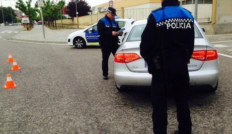 Un control de la policia local de Tàrrega