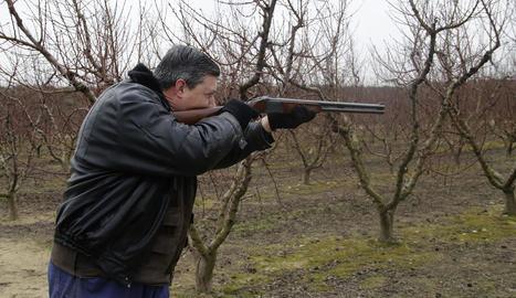 Ramon Pontí, de 85 anys, és un veí de Seròs que caça des dels 16.