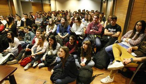 Exposició de treballs d'investigació d'alumnes de Batxillerat