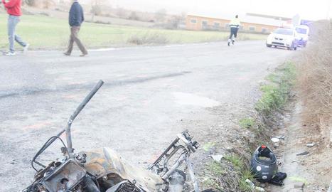 La motocicleta accidentada ahir entre Bellmunt i Bellcaire.