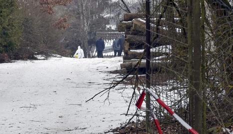 Investigadors al lloc del succés a la ciutat d'Arnstein.